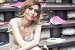 التركية إليف شفق ترفض نسب والدها وتعشق الصوفية