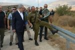 نتنياهو زار منطقة رام الله وديوانه يؤكد ان الانسحاب من المدينة واريحا كذب