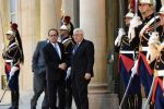 الرئيس عباس في باريس لدفع عجلة عملية السلام