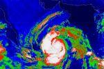 فيديو  بأمطار غزيرة وعواصف رعدية قويّة .. ولاية سدح العُمانية أول مستقبلي إعصار 'ميكونو'