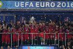 البرتغال تحوّل دموع رونالدو الى أفراح وتتوج بلقب يورو 2016 على حساب فرنسا