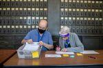بدء فرز أصوات المقترعين في التصويت المبكر في انتخابات الرئاسة الأمريكية