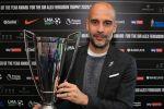 غوارديولا يحرز جائزة مدرب العام في البريميرليغ