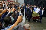 الآلاف يشيعون جثمان محمد علي