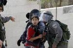 في يومهم .. الاعتقال والتعذيب يُلاحق أطفال فلسطين