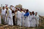 نابلس: السامريون يؤدون حج الفسح على قمة 'جرزيم'