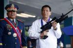 رئيس الفلبين يتوعد المخالفين بالقتل بالرصاص