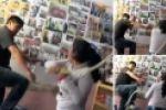 امرأة تضرب زوجها بوحشية بعد ضبطه مع عشيقته في مطعم