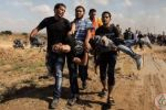 35 اصابة في جمعة 'الوفاء للجرحى' على حدود غزة
