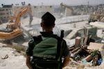 الاحتلال يهدم منشآت سكنية في الأغوار