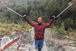 تقرير صحفي  :تسلق جبل إيفرست لإنقاذ مدرسة تابعة للأونروا