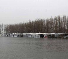 'حالتهم سواد'.. ماذا فعلت عواصف لبنان باللاجئين السوريين؟