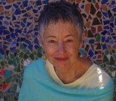 الأمّ -  الشاعرة فيرونيكا غولس - ترجمة نزار سرطاوي