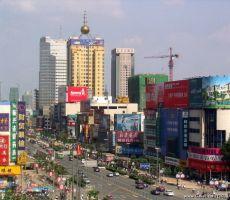 الصين تعزل مدينة كبيرة بعد 'أكبر تفش لكورونا' منذ شهور