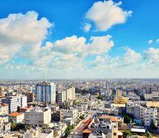 خطة اسرائيلية لتجنب انفجار غزة: قطار للبضائع وتصاريح للعمال وحاويات يتم تحويلها لمنازل