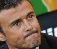 إنريكي: برشلونة لن يسلم الراية