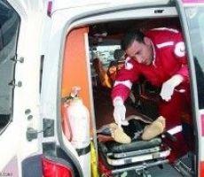 اصابة سائق شاحنة بحادث سير ذاتي في الخليل