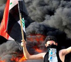 فيديو ..الاف العراقيين يحاصرون السفارة الاميركية في بغداد واجلاء السفير وطاقم السفارة