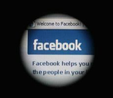 فيسبوك وواتساب بمشكلة الـ'90 دقيقة'.. والشركة تعقب