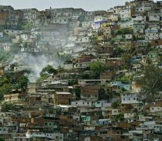 كيف أصبحت فنزويلا 'الغنية بالنفط' دولة فاشلة؟