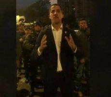 'انقلاب عسكري' في فنزويلا.. وزعيم المعارضة بقاعدة للجيش