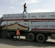 إدخال بضائع ومساعدات إلى قطاع غزة