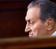 مع استمراره في 'العناية المركزة'... محامي حسني مبارك يكشف تطورات حالته الصحية