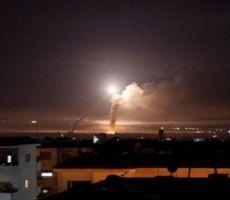 الدفاعات الجوية السورية تتصدى لصواريخ معادية في سماء دمشق