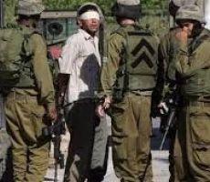 قوات الاحتلال تعتقل مواطنين من مخيم جنين
