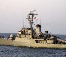 مقتل عشرات الجنود الإيرانيين بقصف سفينة حربية ايرانية بطريق الخطأ