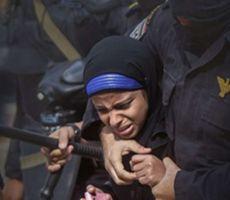 في تقرير جديد..الأورومتوسطي يستعرض شهادات قاسية حول تعرّض النساء المحتجزات تعسفياً في مصر للعنف