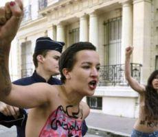 أمينة السبوعي: عودة المتمردة عارية الصدر