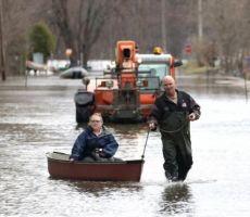 اوتوا الكندية تعلن الطوارئ وتبدأ عمليات الإجلاء بسبب ارتفاع منسوب المياه