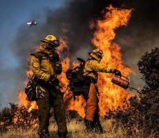 جحيم كاليفورنيا- إجلاء عشرات الآلاف وانقطاع الكهرباء والغاز عن الملايين بسبب حرائق الغابات المُشتعلة