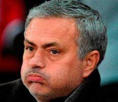 النيران تتزايد.. مورينيو يطلق رصاصاته: محبط لعدم رؤية عملي يُنفذ من لاعبي يونايتد