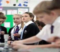 هجمات على المدارس البريطانية تعرض بيانات الطلاب والمدارس للخطر