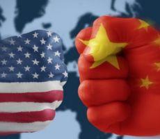 الولايات المتحدة: الصين خلقت فيروس كورونا المستجد وهذا أكبر بكثير من قضية الصفقة التجارية