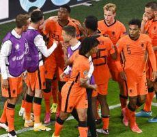 هولندا تحقق فوزا مثيرا على أوكرانيا