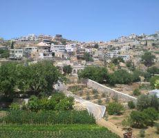 مواطن ينتزع قرارا من الاحتلال بتثبيت حدود أرضه
