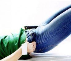 سروال 'جينز' ضيق يتسبب في شلل امرأة!