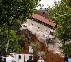 فيديو| لحظة انهيار مبنى سكني في إسطنبول بسبب الأمطار الغزيرة