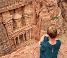 معاريف: تفتيش دقيق لوفد سياحي إسرائيلي بالبترا