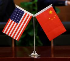 الصين تزيد الرسوم على سلع أمريكية وتصعد الحرب الكلامية