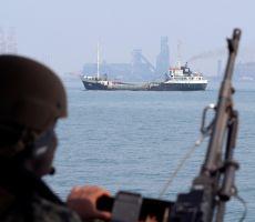 تحذير امريكي للسفن التي تعبر مضيق هرمز