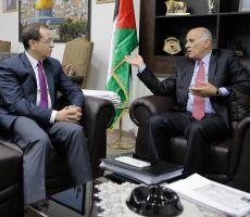 تفاصيل اجتماع الرجوب وسفير مصر في رام الله: ملتزمون بما تم الاتفاق عليه مع حماس!