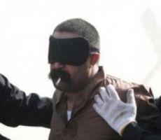 بالصور: كويتي يطلب تدخين سيجارة قبل اعدامه ويدخنها بشراهة