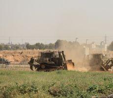 آليات الاحتلال تتوغل شرق خان يونس وتجرف أراضي