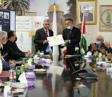 إيطاليا تمنح د. حسين الأعرج ميدالية الشرف برتبة قائد