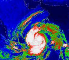فيديو| بأمطار غزيرة وعواصف رعدية قويّة .. ولاية سدح العُمانية أول مستقبلي إعصار 'ميكونو'