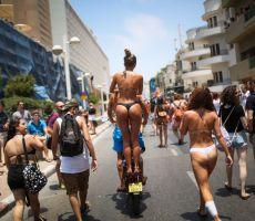 بالصور: مهرجان المثليين الأضخم في تاريخ تل أبيب
